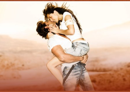 hrithik and mori lip lock